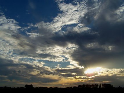 FOTKA - Spousta barev na obloze