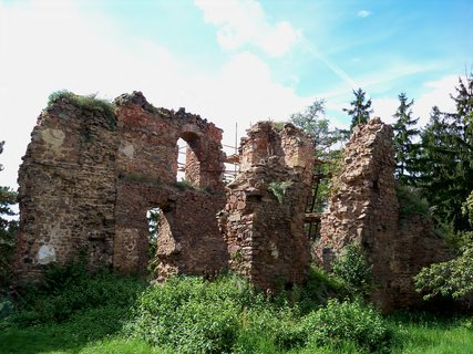 FOTKA - Hrad je známý od 13.století-Žumberk