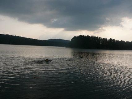 FOTKA - *u rybníka*