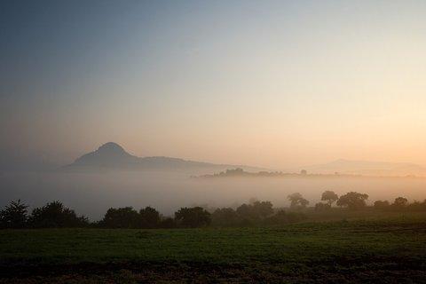 FOTKA - Bořeň  v mlze
