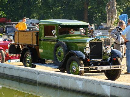 FOTKA - stará auta mohou býti krásná