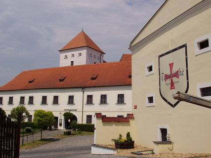 FOTKA - Čejkovice - templářské sklepy nalezneme naproti zámku
