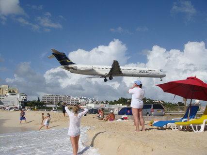 FOTKA - letadlo nad námi