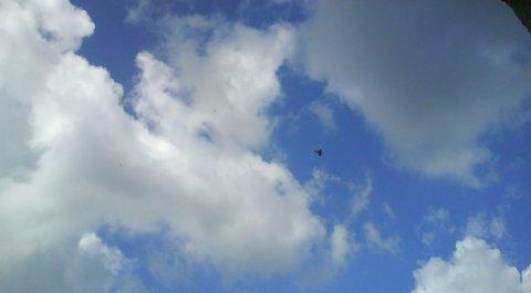 FOTKA - stíhačky v oblacích.