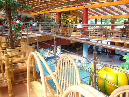 FOTKA - Bazénová část vnitřního areálu