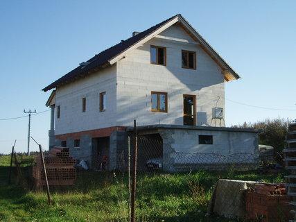 FOTKA - stavba domku u neteře pokračuje