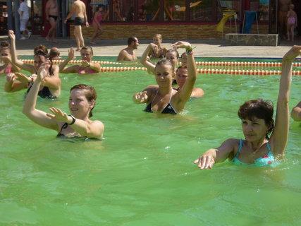 FOTKA - Tancování ve vodě