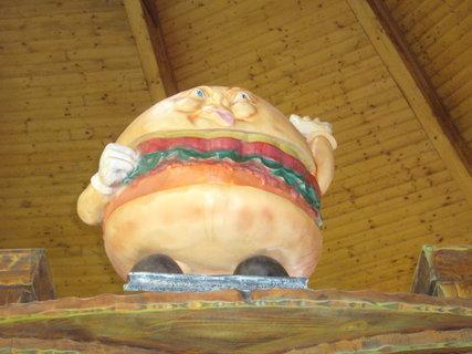 FOTKA - Pořádný hamburger