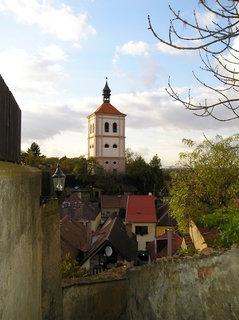 FOTKA - Stará městská část se zvonicí