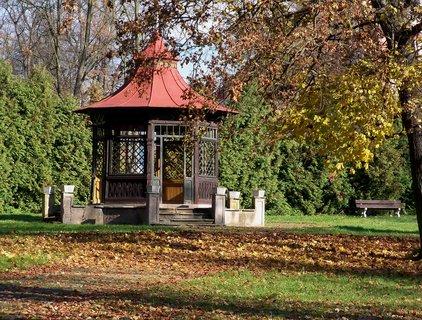 FOTKA - Altán v zámeckém parku Zámrsk