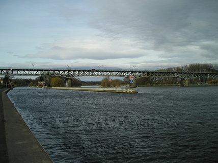 FOTKA - Most přes Labe, bez sluníčka...
