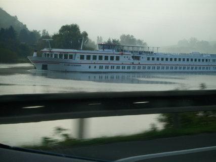 FOTKA - velmi dlouhá loď