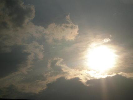 FOTKA - mraky a sluníčko.