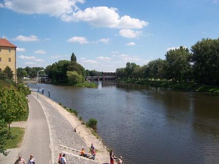 FOTKA - Poděbrady u řeky