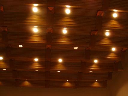 FOTKA - nádkerný osvětlený strop