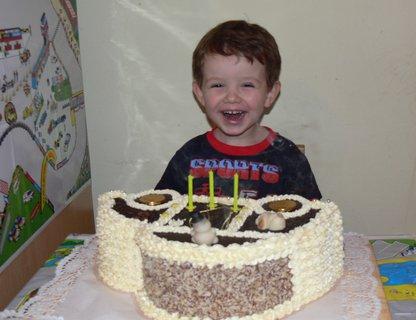 FOTKA - Tomulka s dortem....