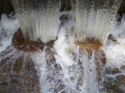FOTKA - vzpomínky na léto, splav z rybníka...,,,,