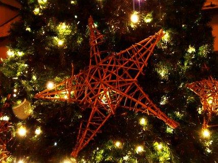 FOTKA - detail vánočního stromku....