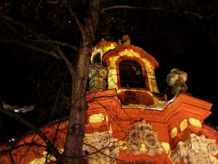 FOTKA - večerní nasvícený kostel Sv. Jakuba, Kunratice,,..
