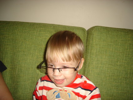 FOTKA - Eliška s brýlemi