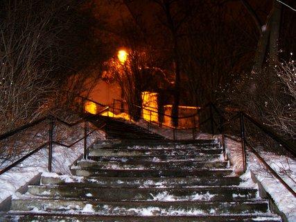 FOTKA - ranní foto - schody ke kostelu Sv. Pankráce