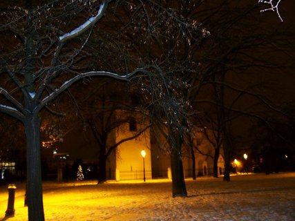FOTKA - ranní foto - kostel Sv. Pankráce s parkem,,,.,,,,