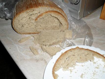 FOTKA - To je strašný, co? To byl chleba!!! Hlavně, že je pečivo stále dražší