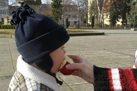 FOTKA - mňam  mňam jablíčko