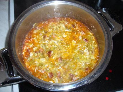 FOTKA - Kapustová polévka s klobásou