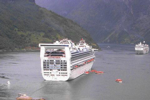 FOTKA - Lodě na norském fjordu