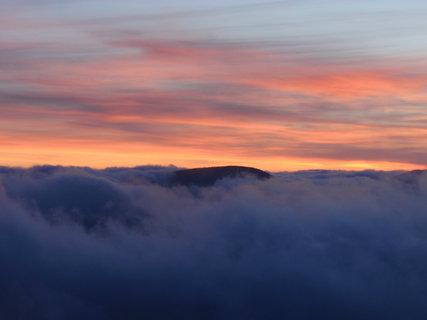 FOTKA - Západ slunce na horách .....