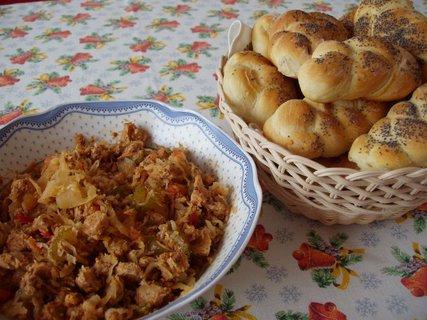 FOTKA - Pirátský salát a skvělé-domácí houstičky
