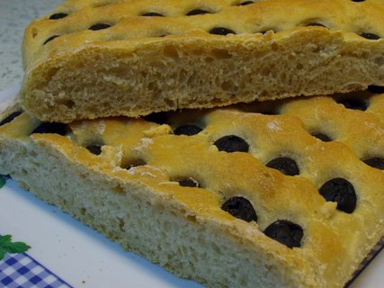 FOTKA - v receptech najdete pod: Foccacia - italský chléb s olivami