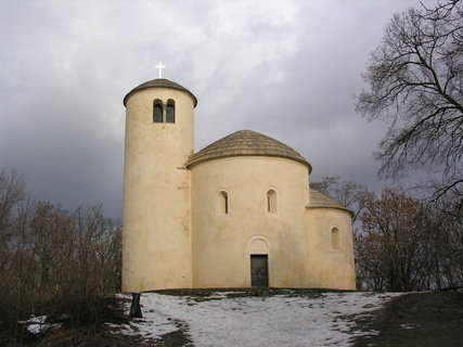 FOTKA - rotunda sv. Jiří na Řípu