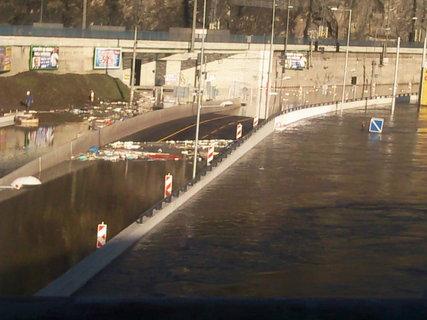 FOTKA - Pod mostem je vjezd do centra