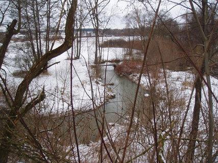 FOTKA - u potoka  - na procházce