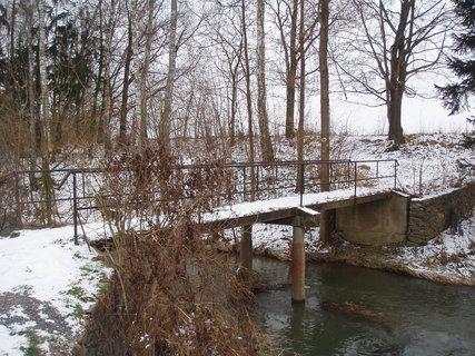 FOTKA - můstek přes potok