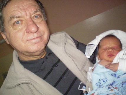 FOTKA - dědeček a vnouček