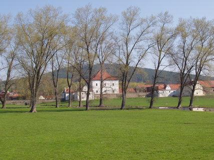 FOTKA - Křepenice - Krčín tu byl stejně podnikavý jako v již.Čechách - stavěl pivovary, mlýny, rybníky,věnoval se alchymii a nechal zhotovit krásně ilustrovaný Krčínův kancionál