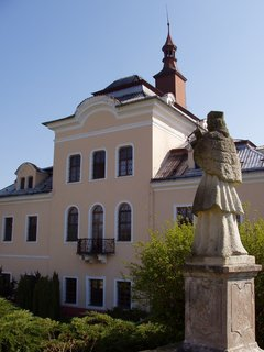 FOTKA - barokní zámeček Nalžovice - dnes ústav soc.péče.