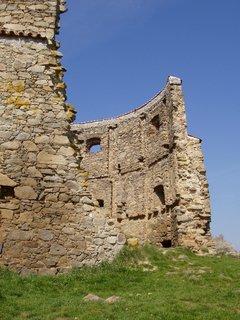 FOTKA - Sedlčansko - pestrá zvlněná krajina s bohatou historií - zříceniny větrného mlýna u obce Příčovy