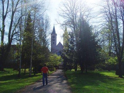 FOTKA - parkem ke klášteru