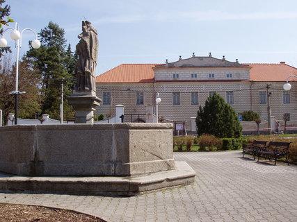FOTKA - zámek v obci Kosova Hora u Sedlčan