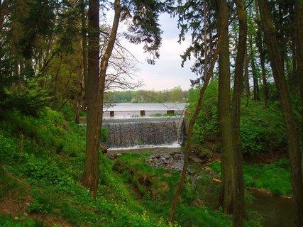 FOTKA - u rybníka  30.4. .