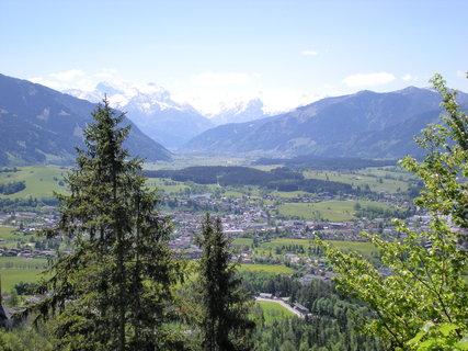 FOTKA - Pohled na Saalfelden, Zell am See a Kitzsteinhorn 1