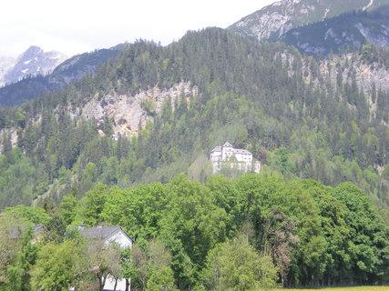 FOTKA - Saalfelden - Pohled na zámek Lichtenberg a Einsiedelei