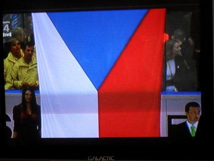 FOTKA - Vlajka jede vzhůru!